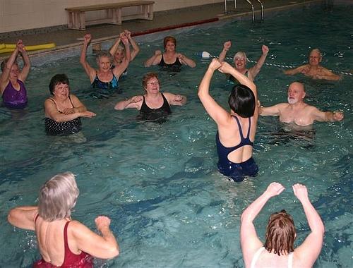 seniors in aquafit